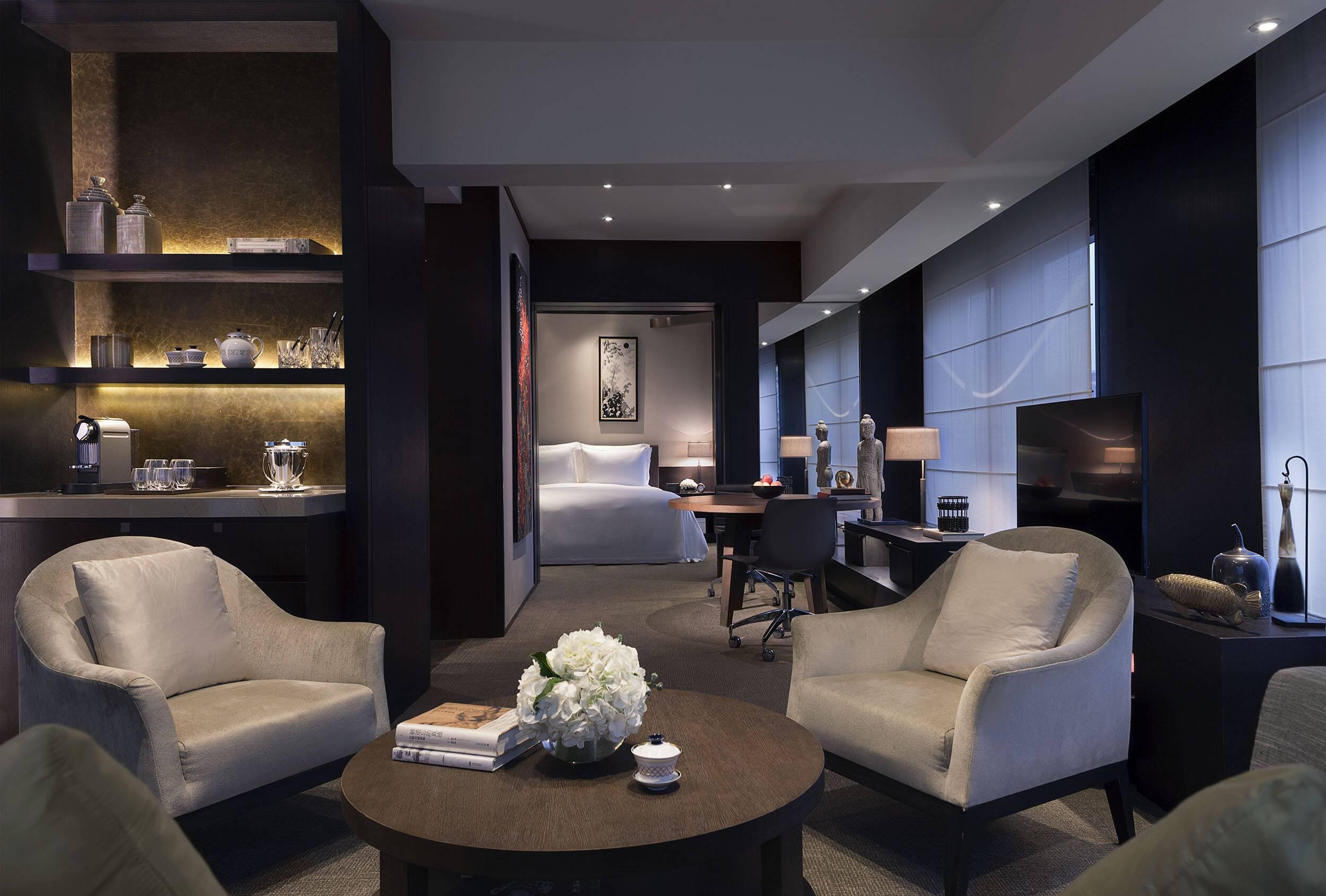 Rosewood Pekin Manor Suite