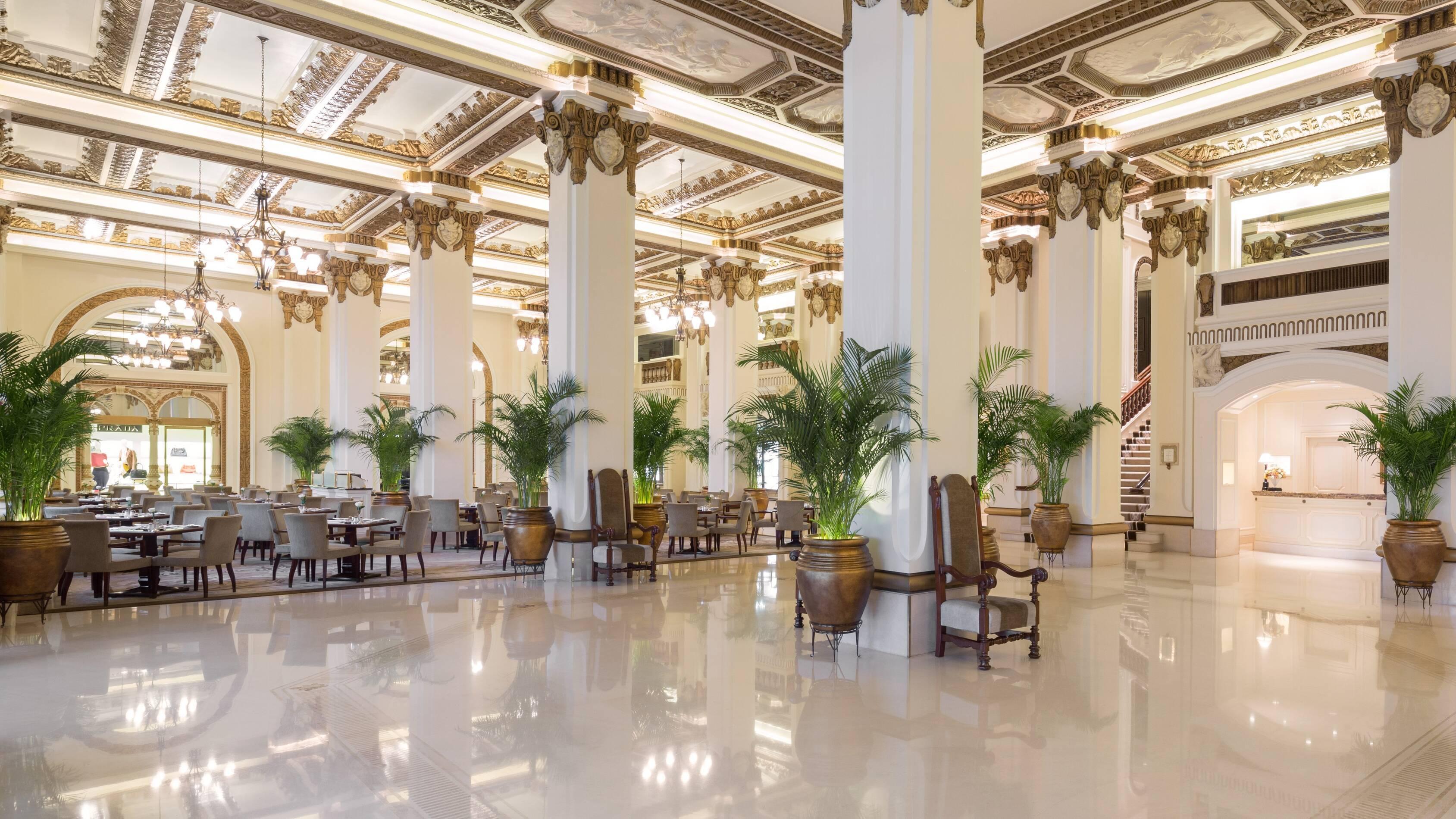 Peninsula Hong Kong Lobby