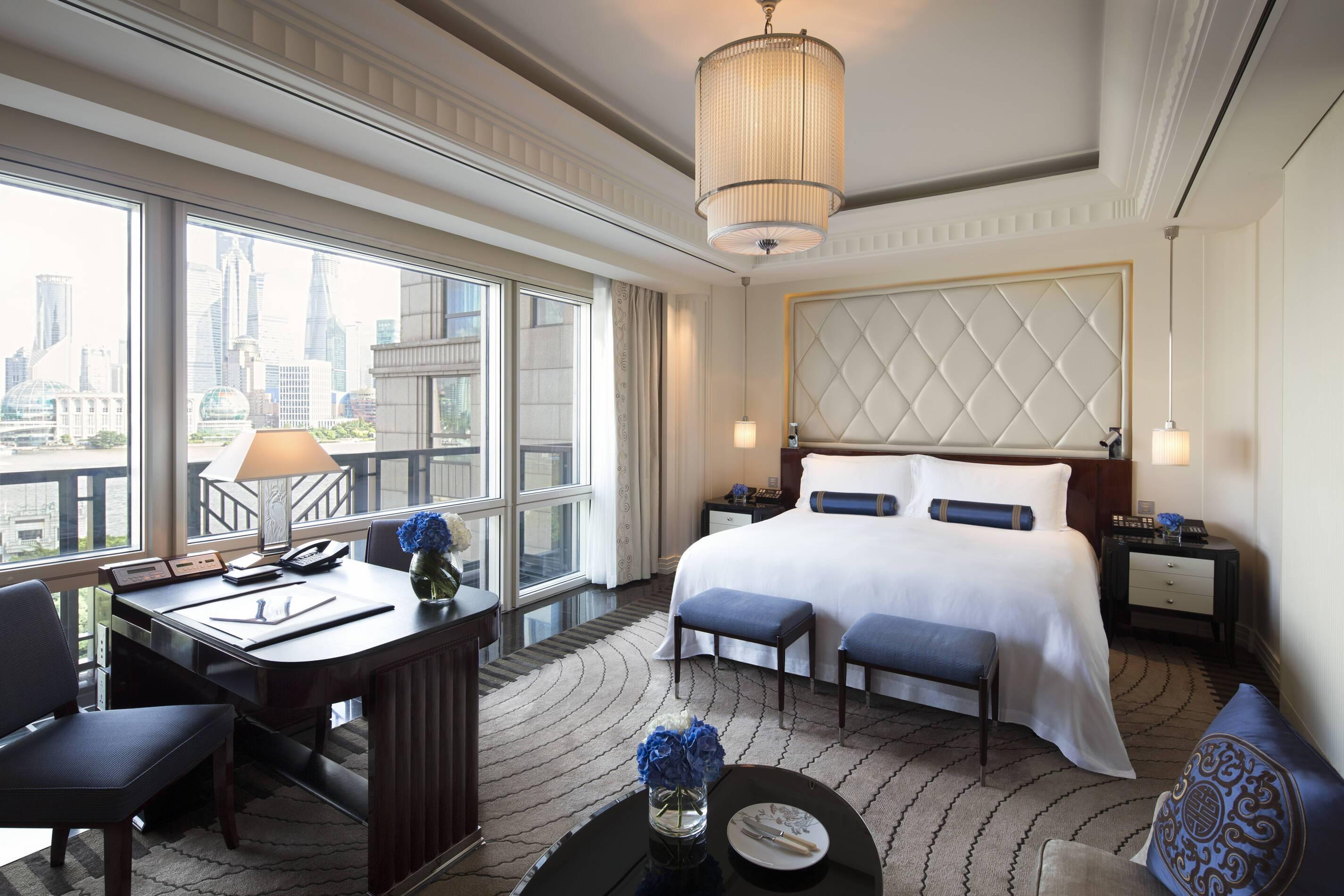 Peninsula Shanghai Deluxe River Room