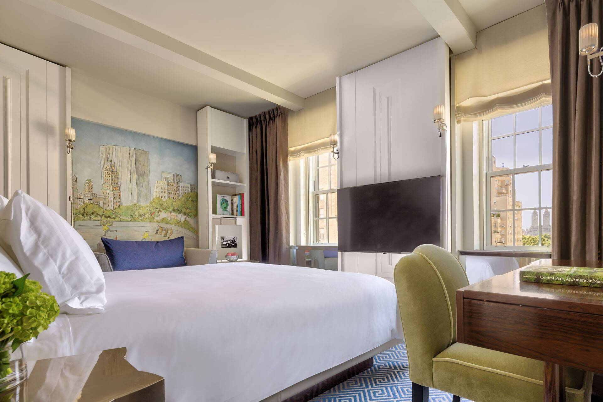 Carlyle Rosewood New York Deluxe Room Bedroom