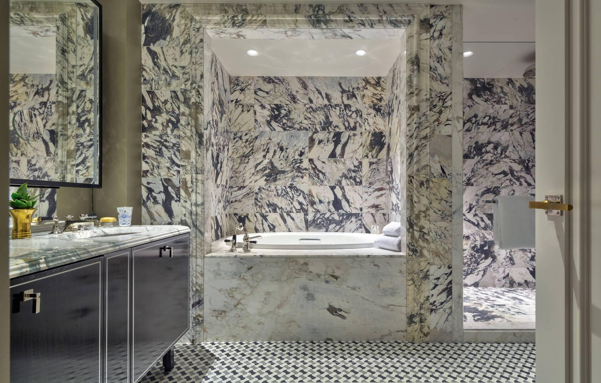 Carlyle Rosewood New York Premier Suite Bathroom