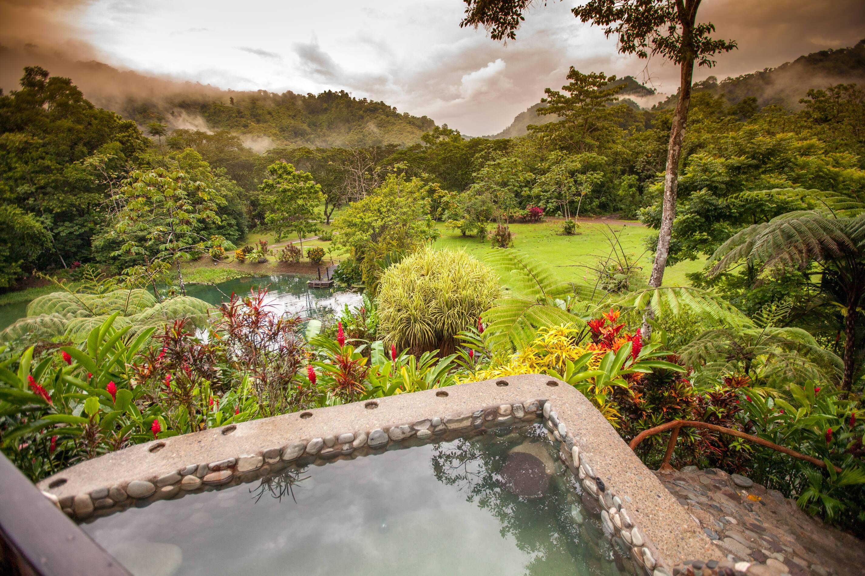 Monteverde Costa Rica Rafiki Safari Lodge Hot Tub