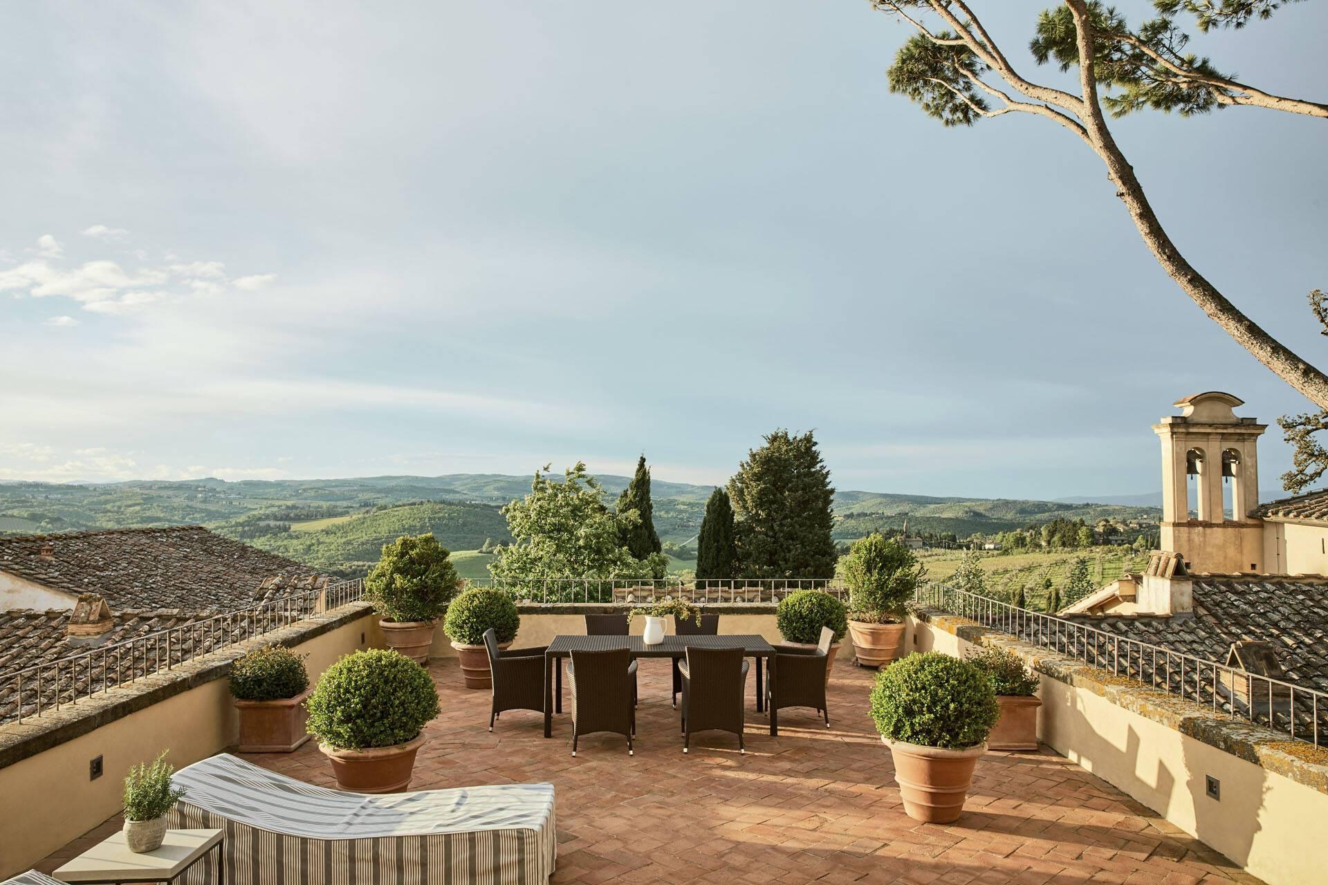 Como Castello del Nero Toscane COMO Terrace Terrasse
