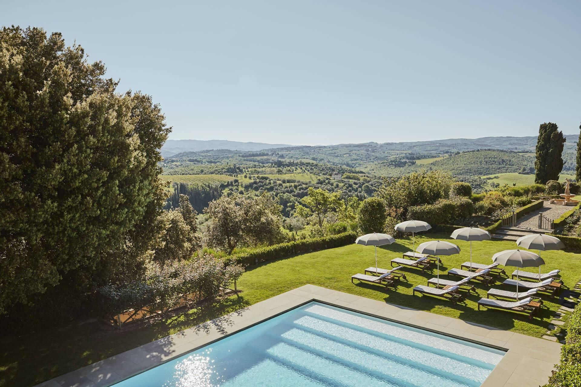 Como Castello del Nero Toscane Piscine Terrasse