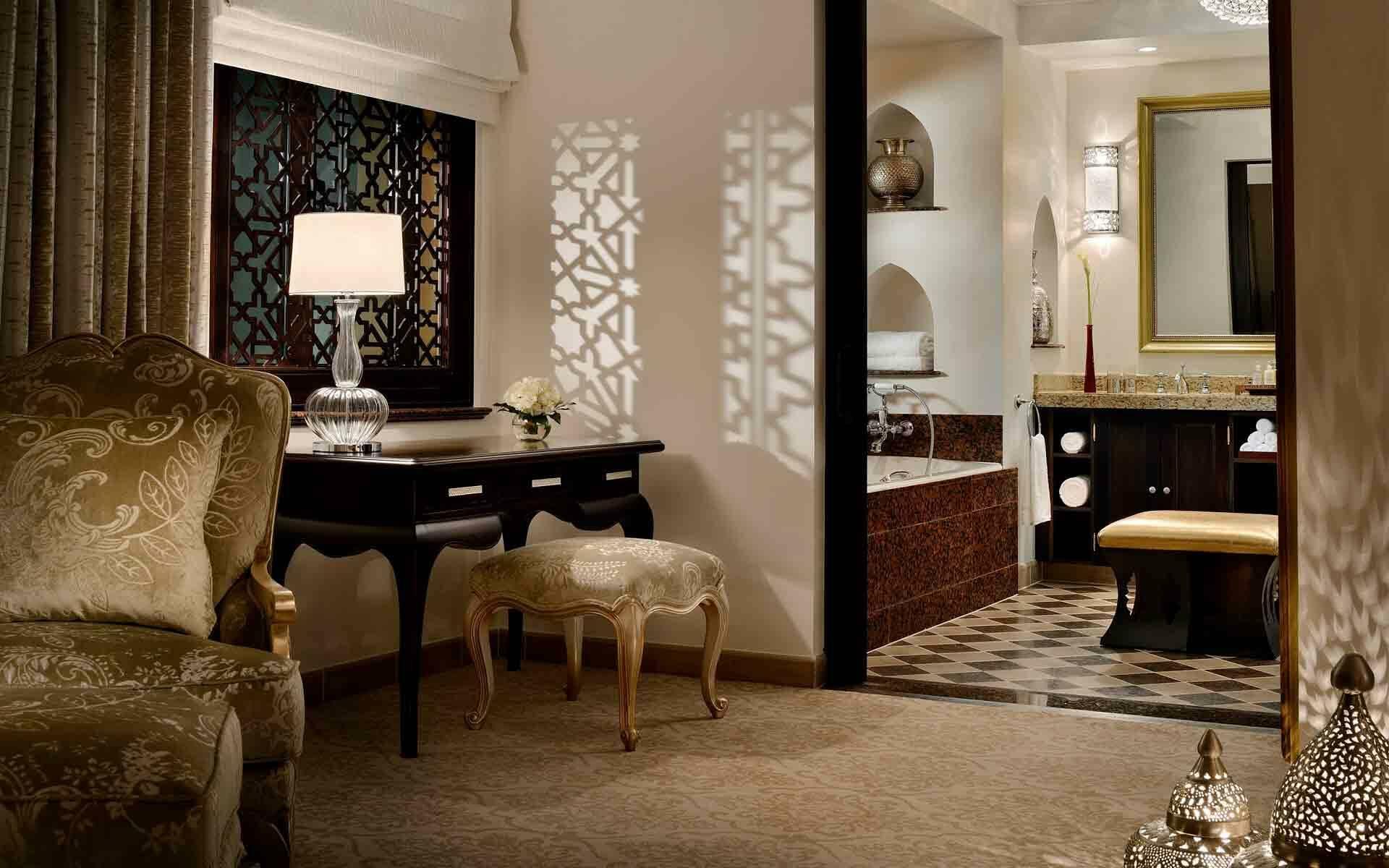 One And Ony Royal Mirage Arabian Court Prince Suite SDB Dubai