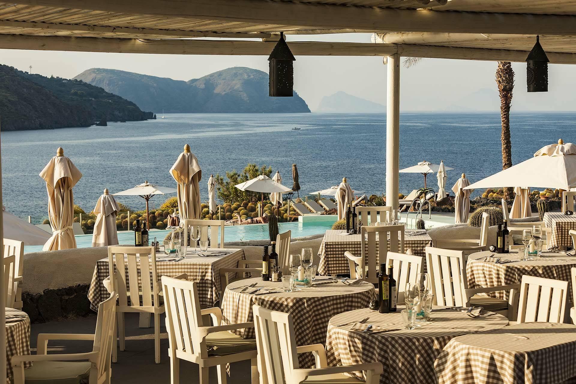 Therasia Ile Vulcano Restaurant Grusoni