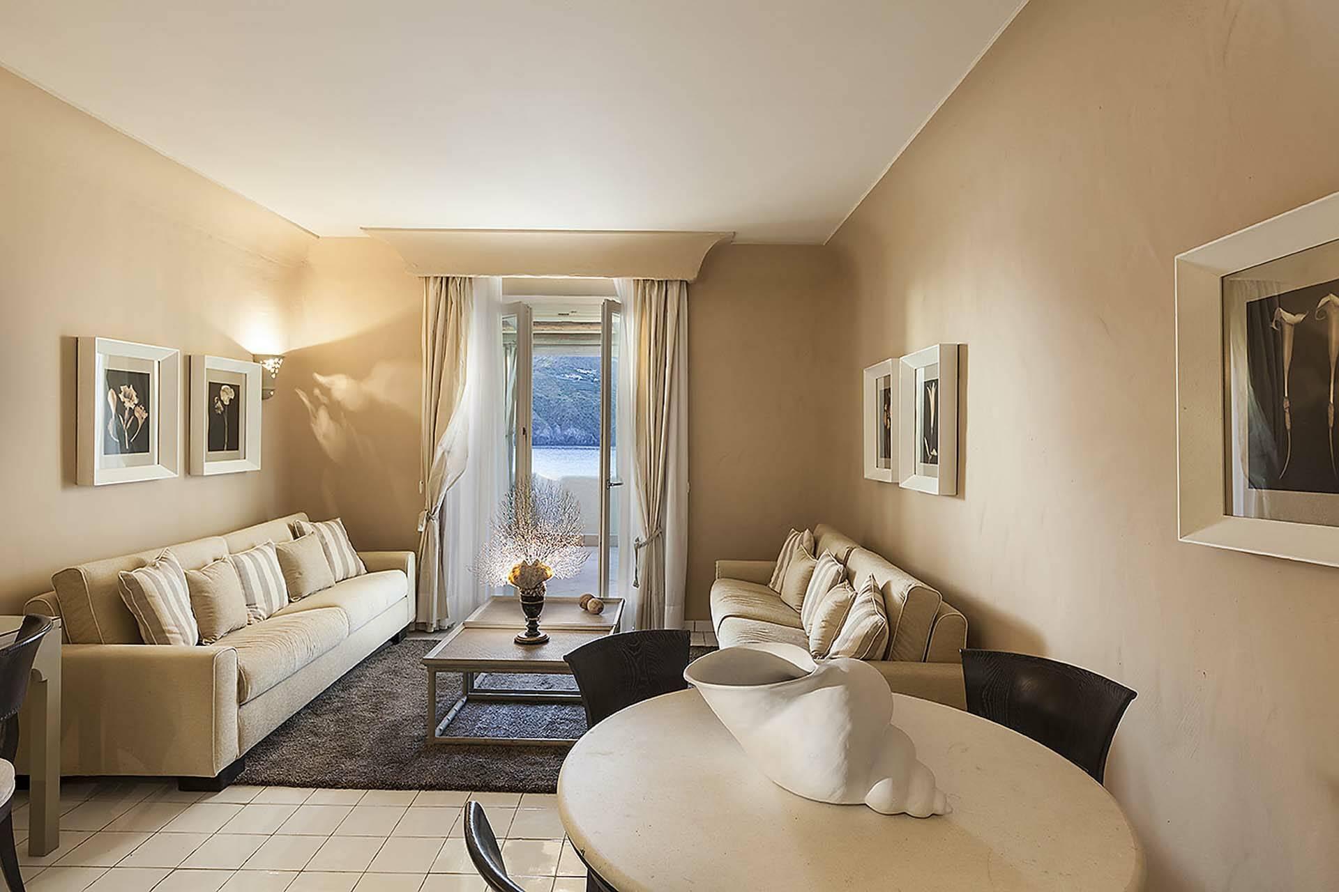 Therasia Ile Vulcano Stromboli Suite Salon