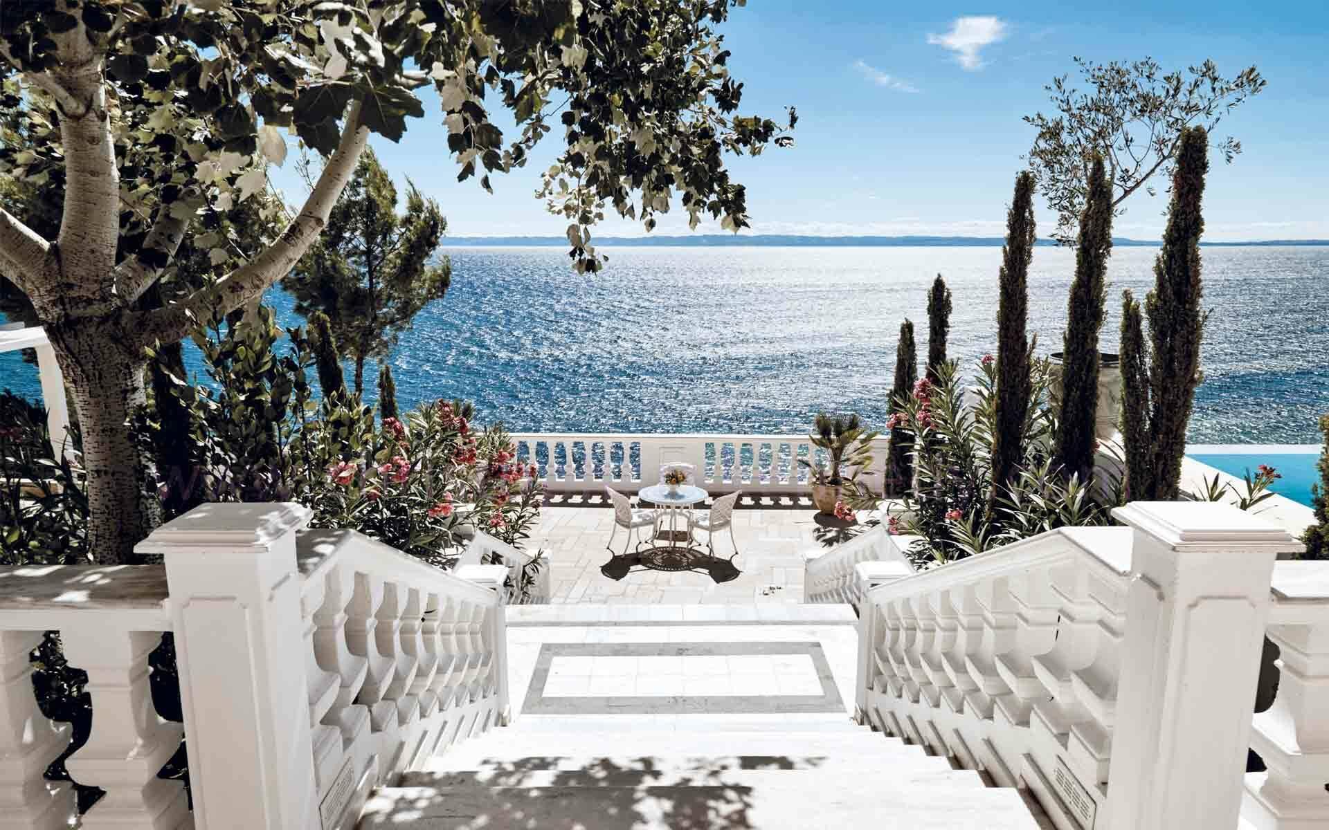 Grece danai white villa