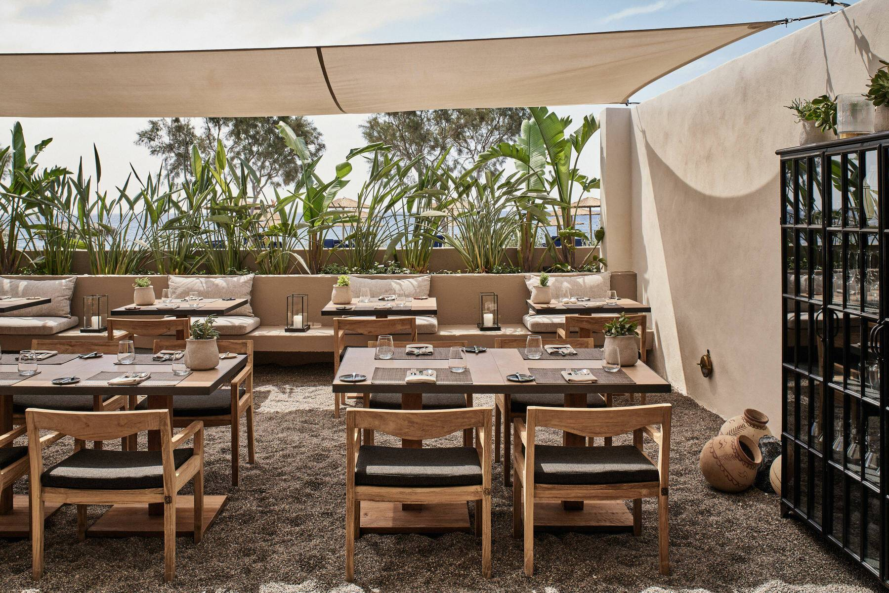 Santorin Istoria Restaurant Mr E