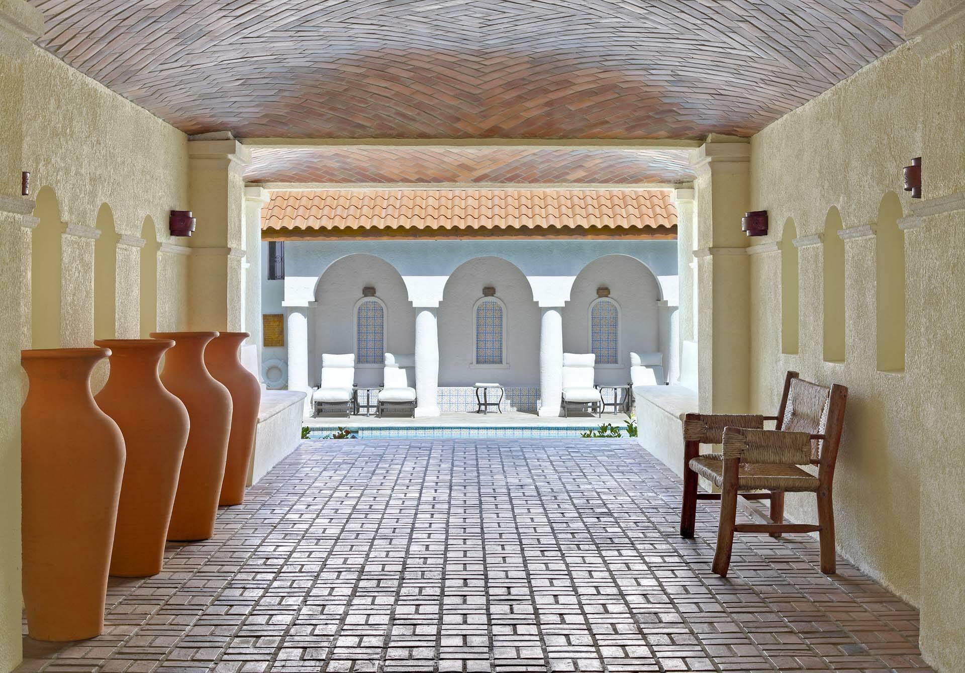 Cap Maison Cour Interieure Espagnol Couloir Sainte Lucie