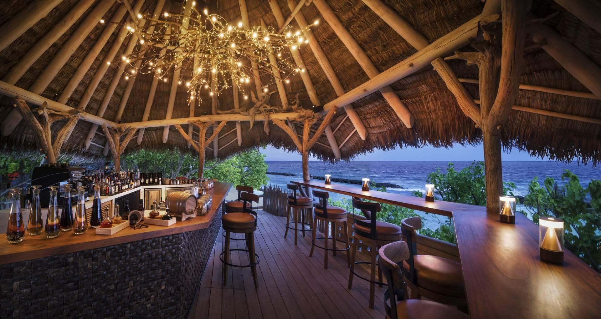 JW Marriott Maldives restaurant nuit