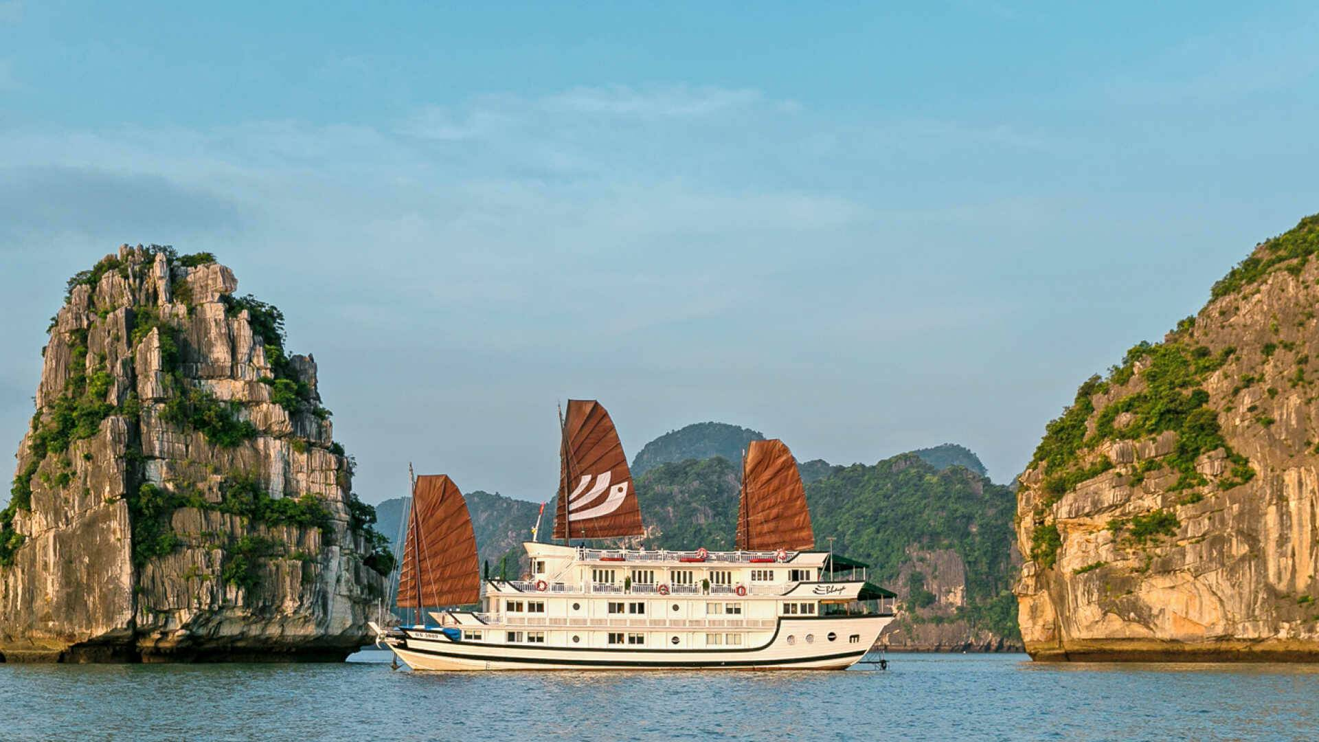 Vietnam Bhaya Legend Bateau