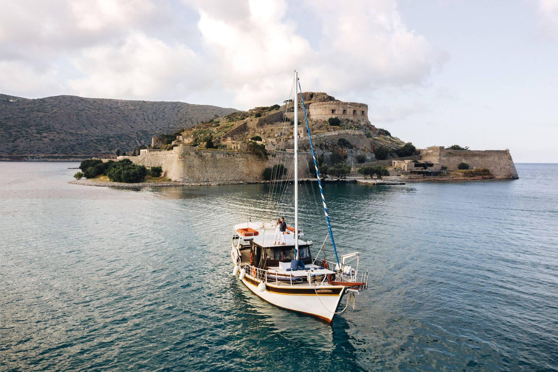 Blue Palace Crete Bateau