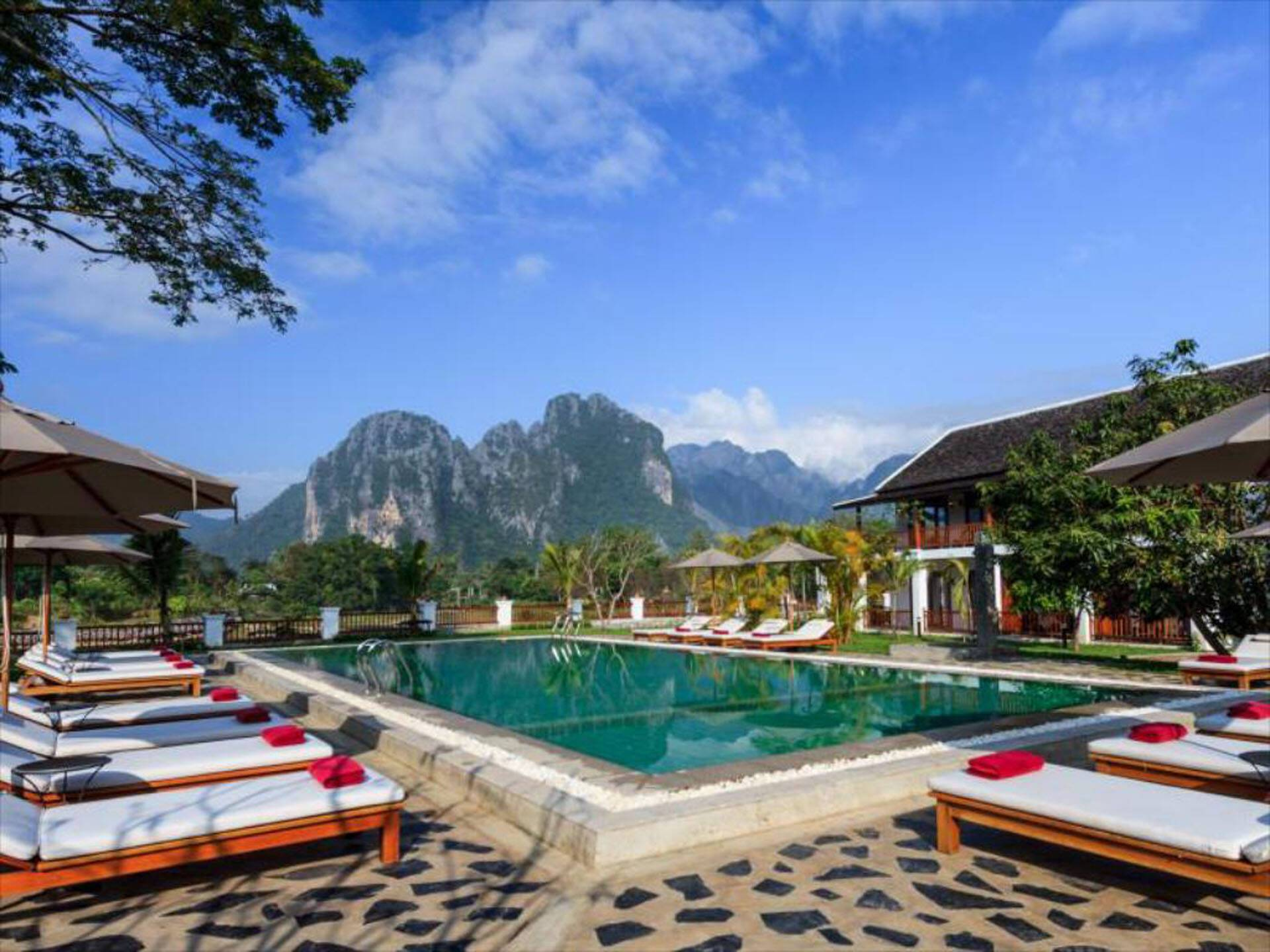 Circuit Laos Riverside Resort Vang Vieng