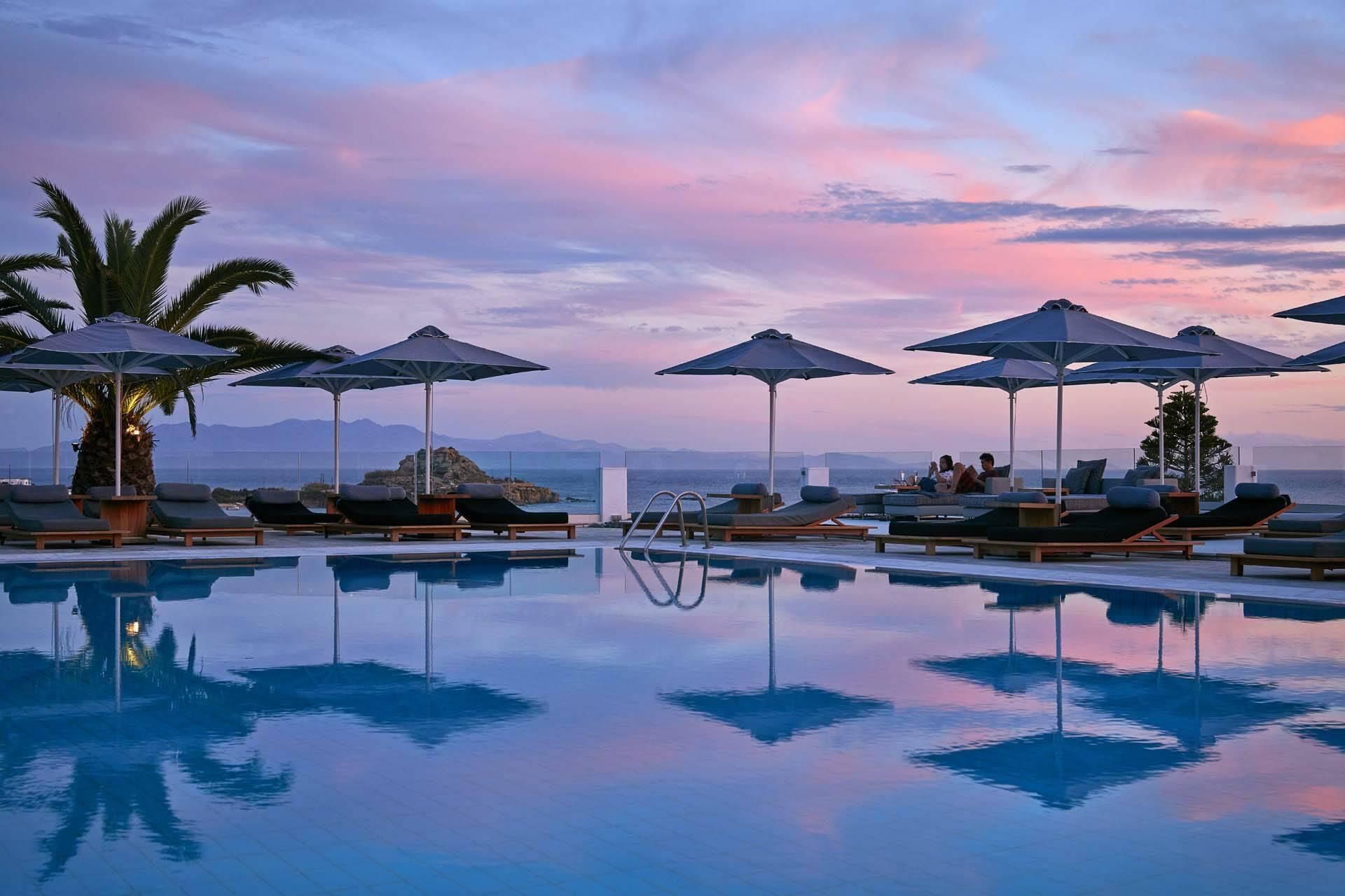 Myconian Ambassador Mykonos piscine sunset