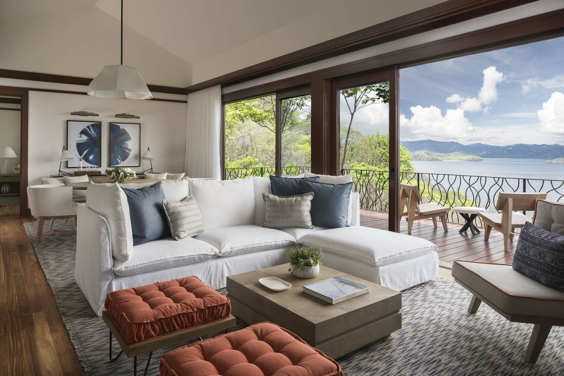 Costa Rica Four Seasons Papagayo suite salon vue ocean