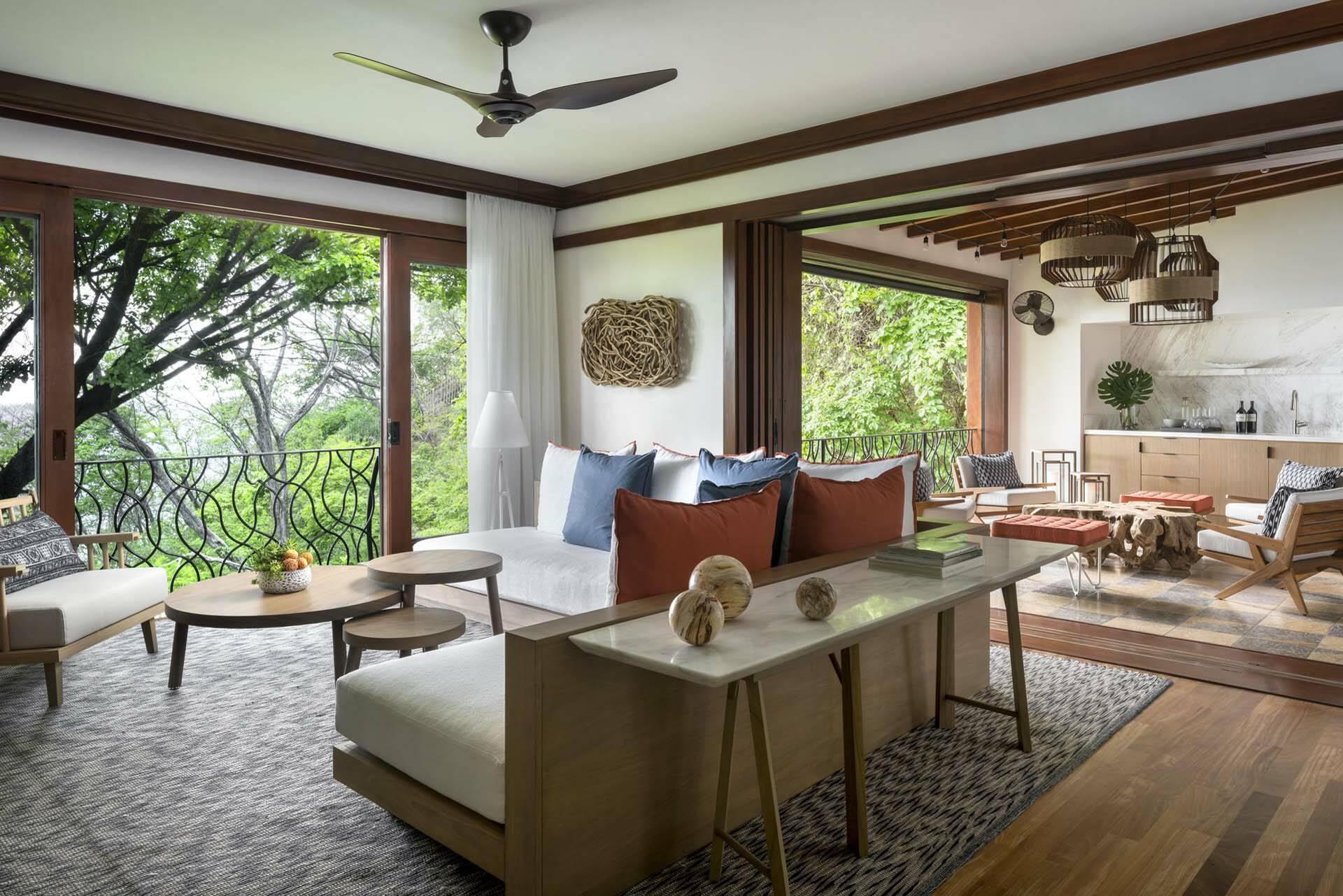 Costa Rica Four Seasons Papagayo suite salon