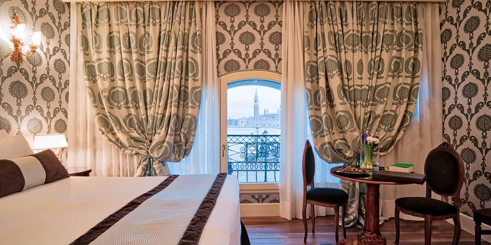 Venise Londra Palace chambre vue