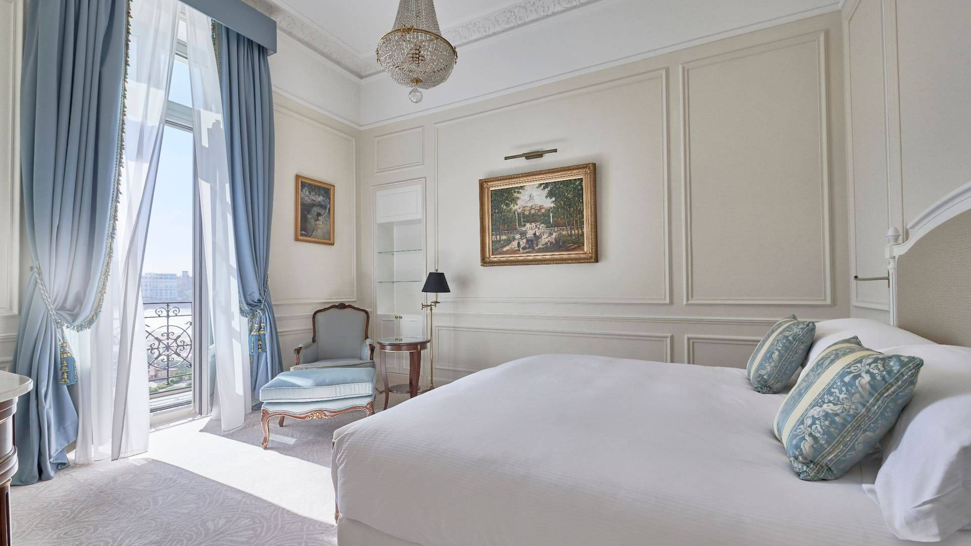 Biarritz Hotel du Palais Ambassador Suite Bedroom