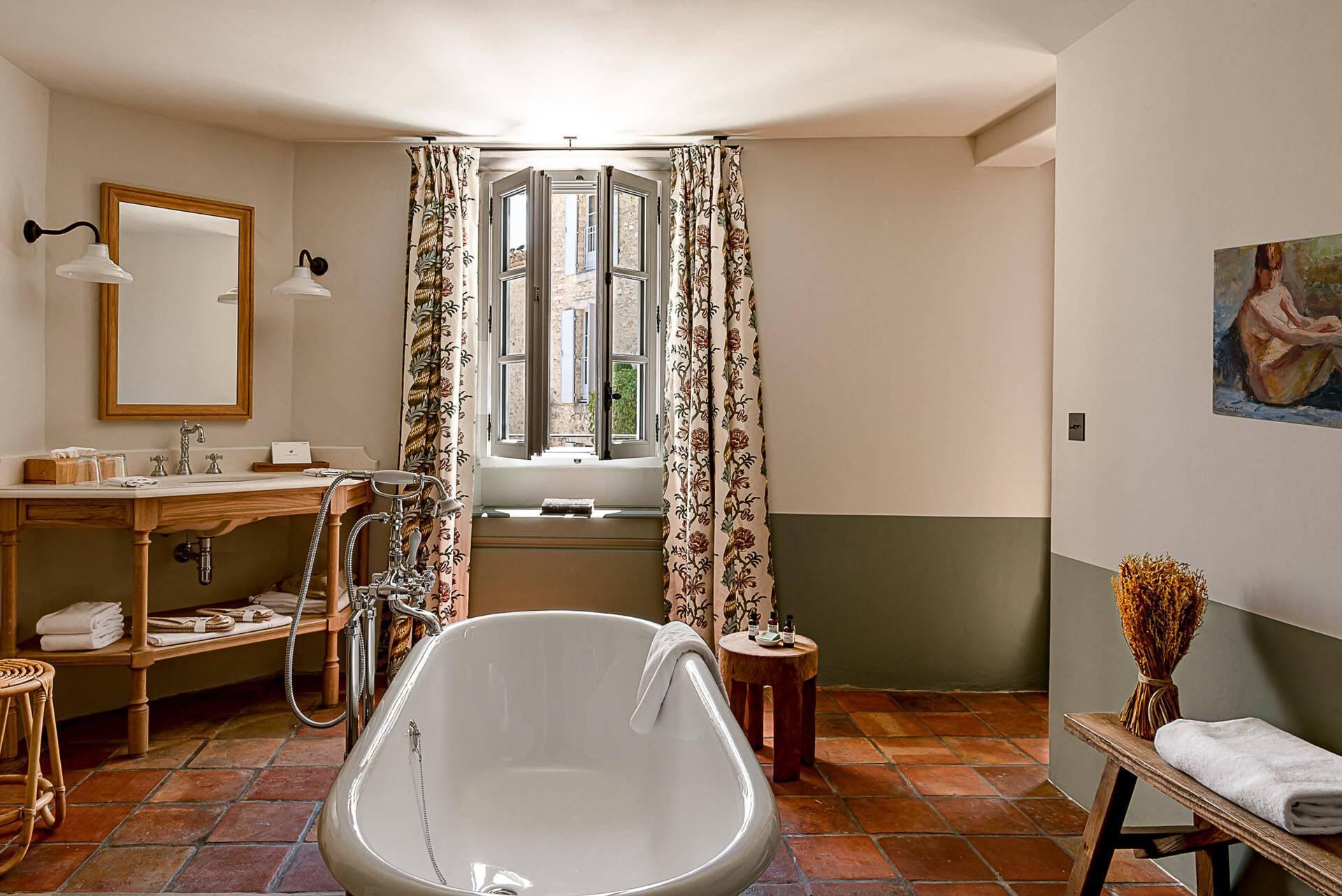 Hotel Crillon Le Brave Provence P Locqueneux Chambre Prestige Salle Bains