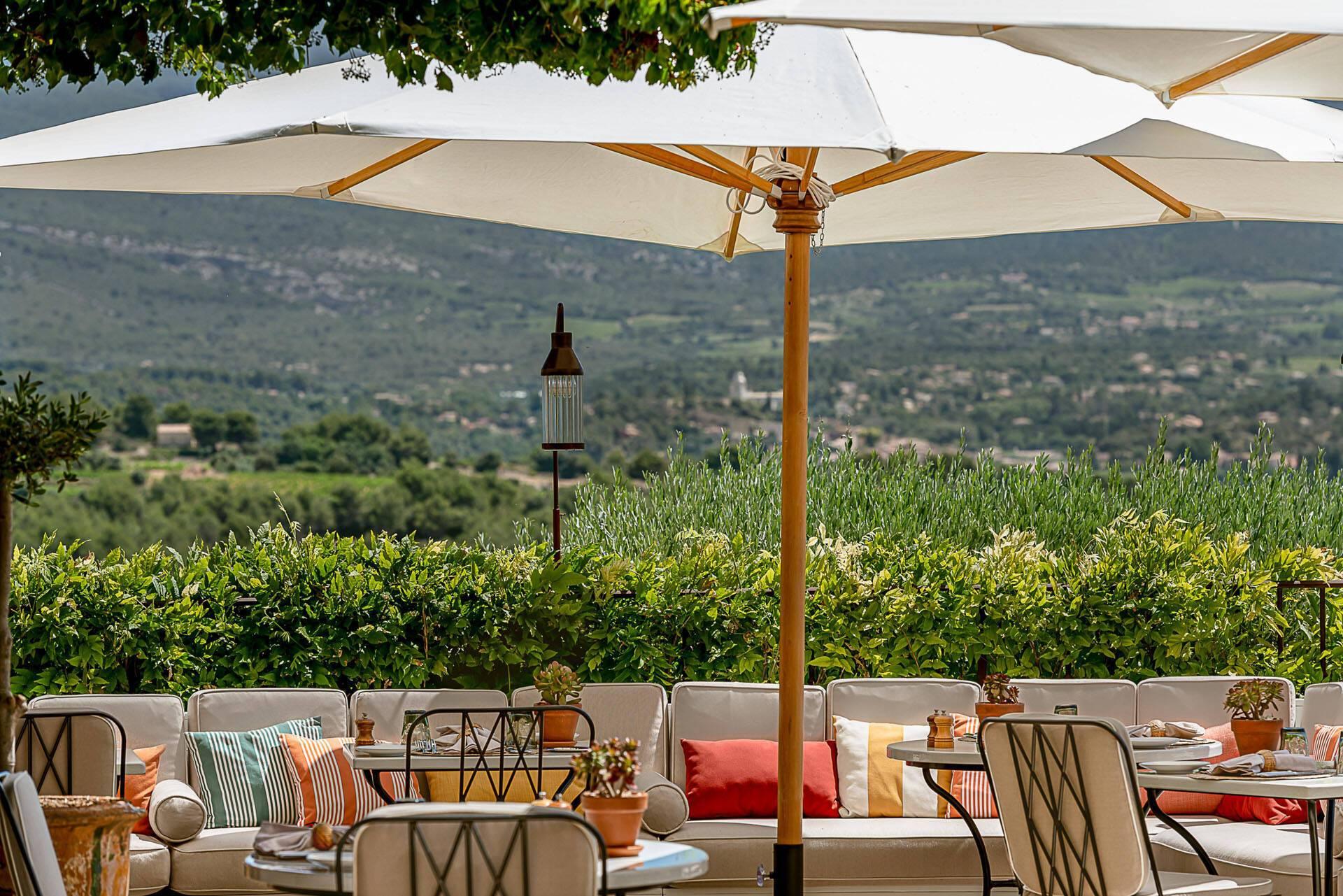 Hotel Crillon Le Brave Provence P Locqueneux Terrasse Restaurant