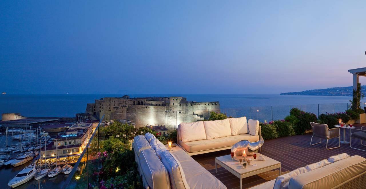 Naples Grand Hotel Vesuvio Terrasse
