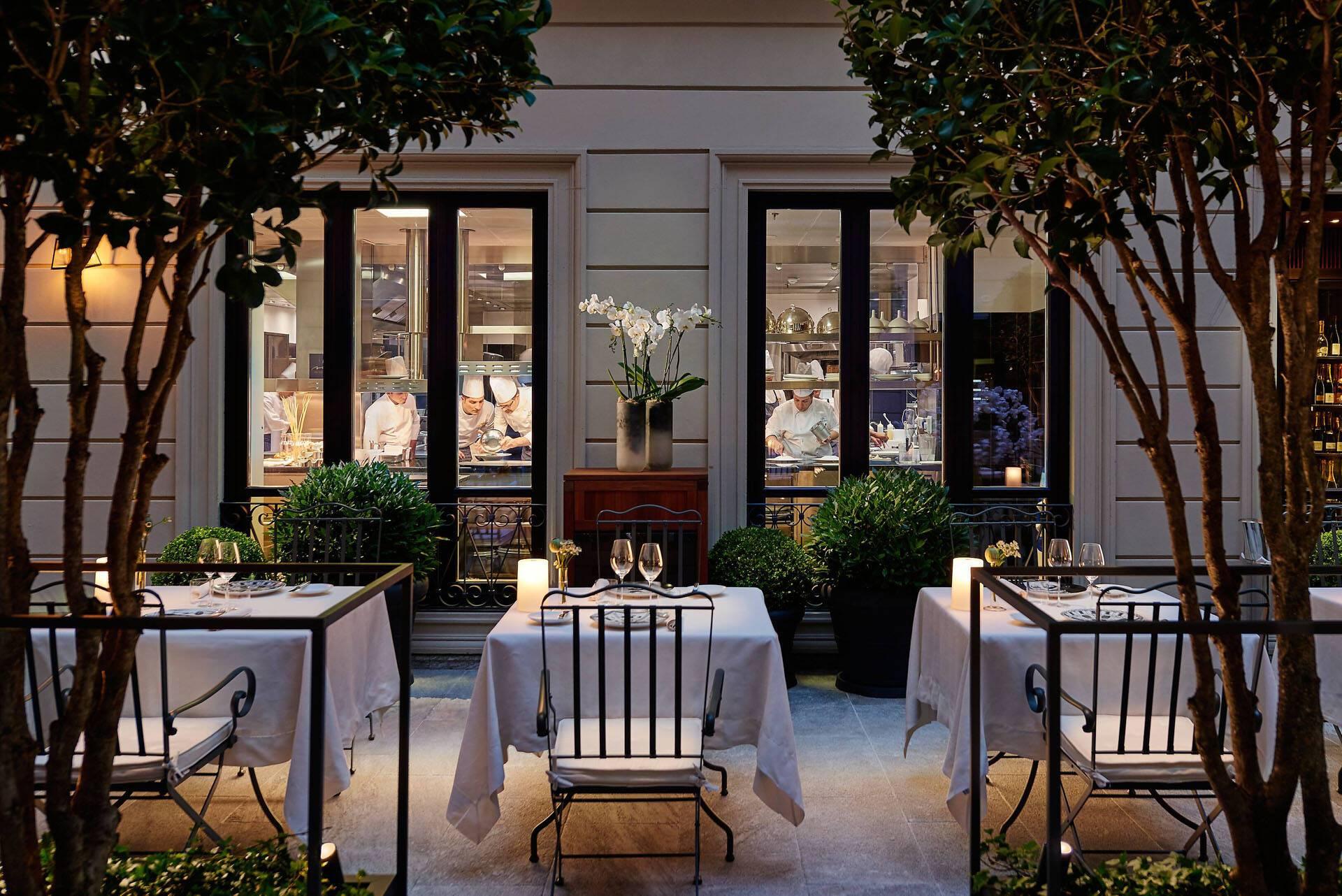 Mandarin Oriental Milan seta courtyard