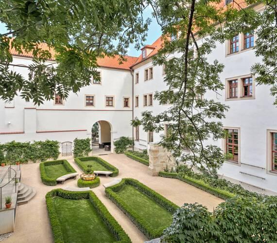 Augustine Prague jardins